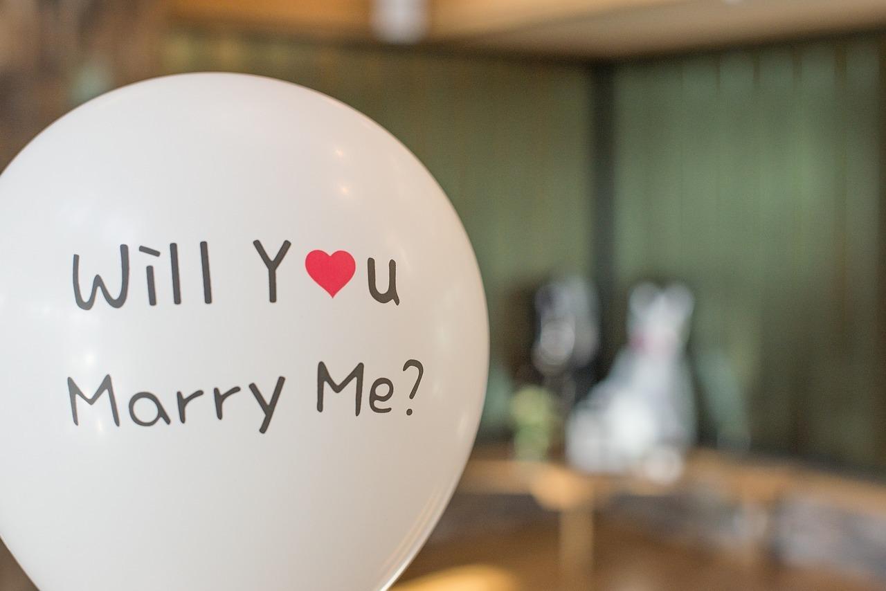 marry-2942081_1280.jpg